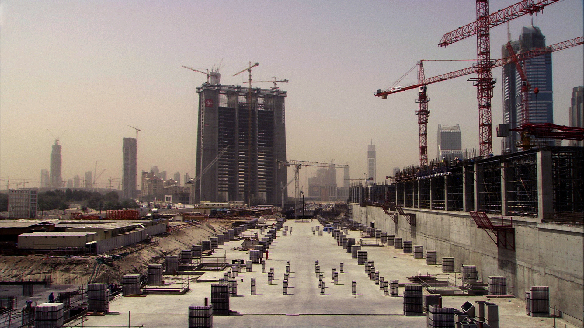 Dubai construction.jpg