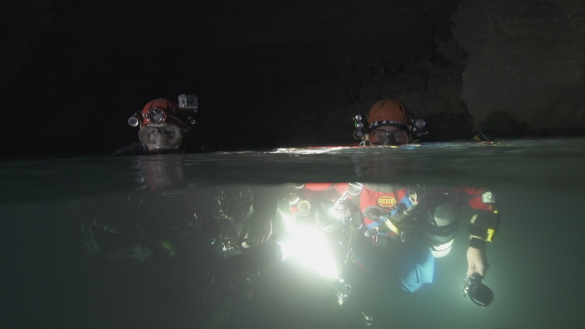 Nlasselin-aquaincognita-diver.jpg