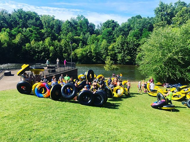 Cuyahoga Falls high school football team came to enjoy the river with us this morning!!! Black Tigers out getting their feet wet!! 😎🤙🏼