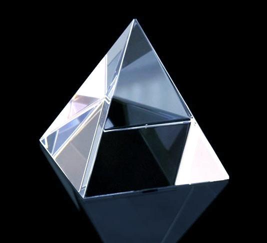 Crystal-pyramid-shape-clear-quartz-by-peaceful-island-com.jpg