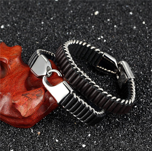 Luxury-leather-bracelet-mens-cool-bracelets-for-guys-with-stainelss-steel-clasp-pulseras-para-hombres-mens-unique-jewelry-peaceful-island.jpg