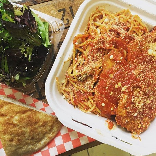 Our Tuesday special, Chicken Parmesan Dinner, for just $12.99 will help beat the cold. 🥶 Comes with spaghetti, salad and bread. . . . . . #morsome #kingwest #queenwest #trinitybellwoods #stanleypark #italian #sicilian #colombian #mediterranean #torontofoodie #tofoodies #tastetoronto #torontoeats #toeats #tasteoftoronto #chicken #parmesan #tuesday #salad #bread