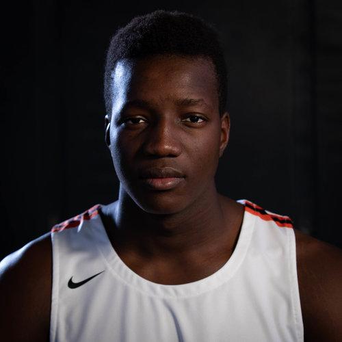 "#32 FOUSSEYNI TRAORÉ  Mali, West Africa 🇲🇱 Forward | 6'7"" 224lbs Sophomore (2021)   Profile & Stats →"