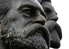 Statue of Marx and Engels