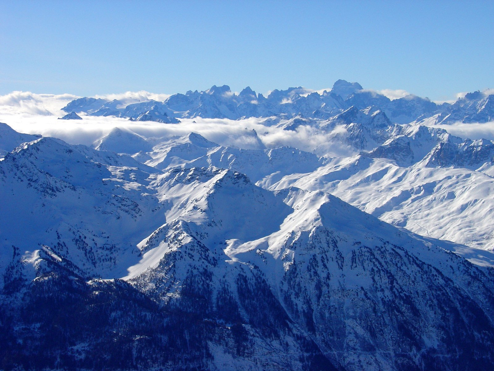 snowy-mountains-1519867.jpg