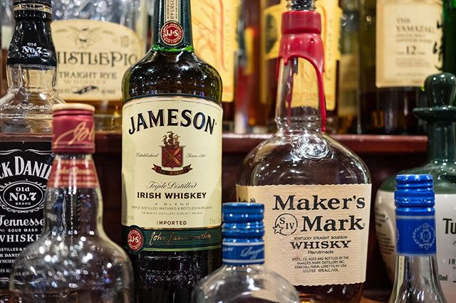 Whiskey Wednesday has long been a staple of our daily drink specials. Things may be changing soon though, so come in while you can for that $6 Makers and Jameson! . . #shultzys #barandgrill #whiskey #humpday #drinkspecials #makersmark #jameson #udistrict #theave #bratspot