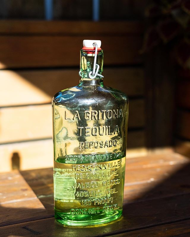 We've only got half a bottle left of La Gritona Tequila, and at half price our math experts all agree that it won't last much longer.  La Gritona is 100% tequila made in the highlands of Jalisco, Mexico. The distillery, Raza Azteca, is owned and operated entirely by a team of women. The agave is baked for 24 hours in ovens made from the same soil the agave grows in. And the bottles are hand blown with recycled glass in Guadalajara.  What we're getting at is we've got a delicious top shelf tequila for half off today. Come sip it before it's gone!  #shultzys #barandgrill #theave #seattle #tequila #topshelf #drinkspecials #bratsonbrats