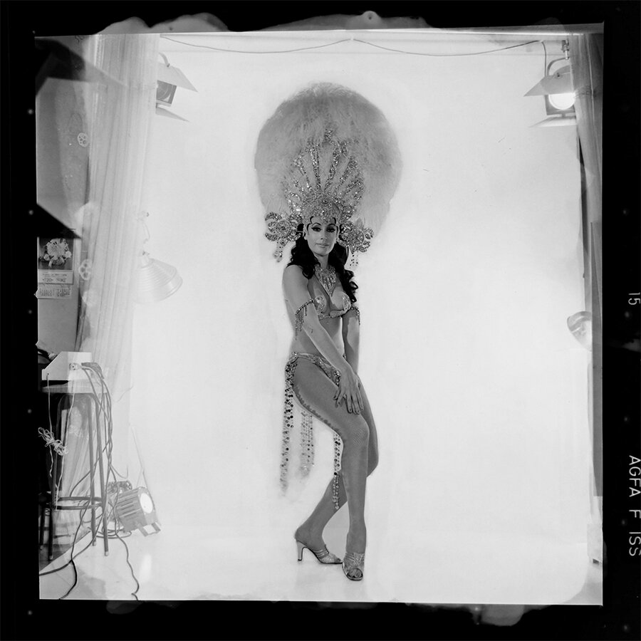 Moria Casán photographed early in her career - image from the Foto Estudio Luisita archive