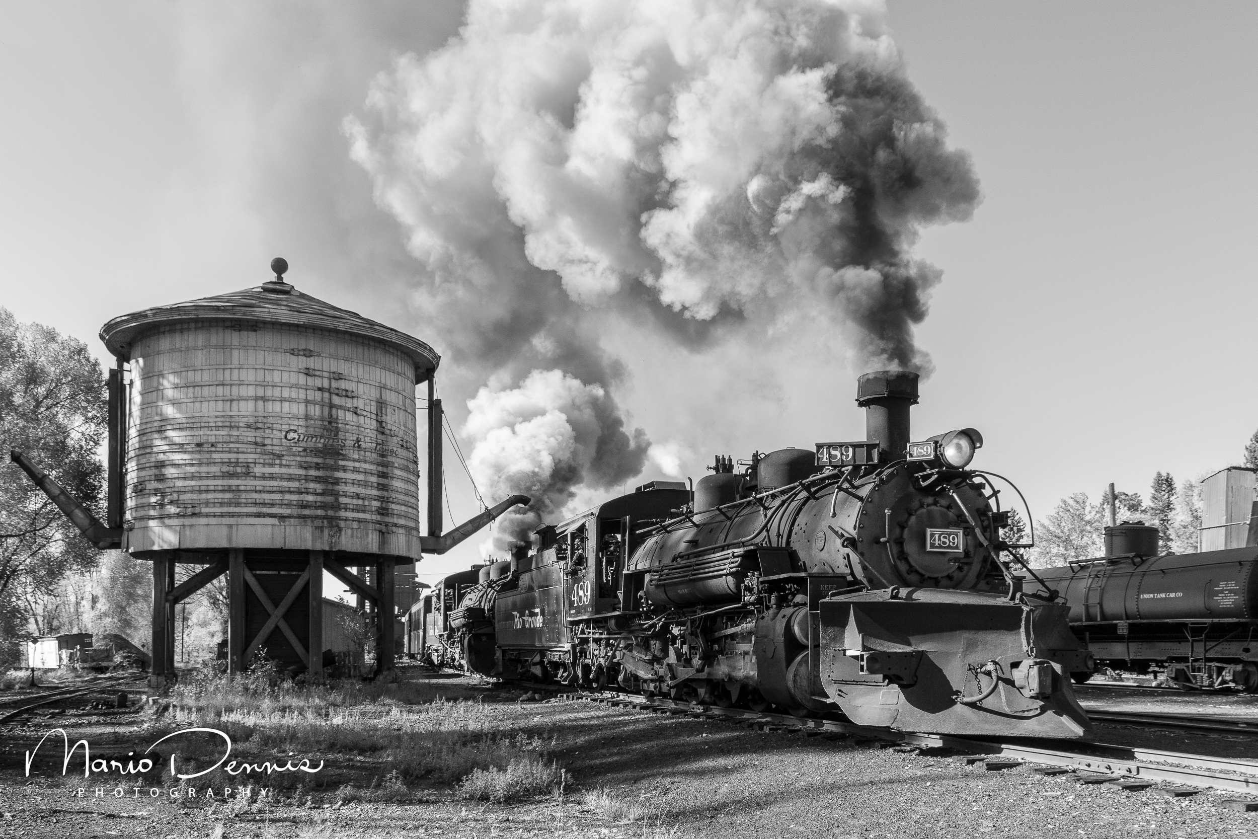 Pulling out of the Chama yard.