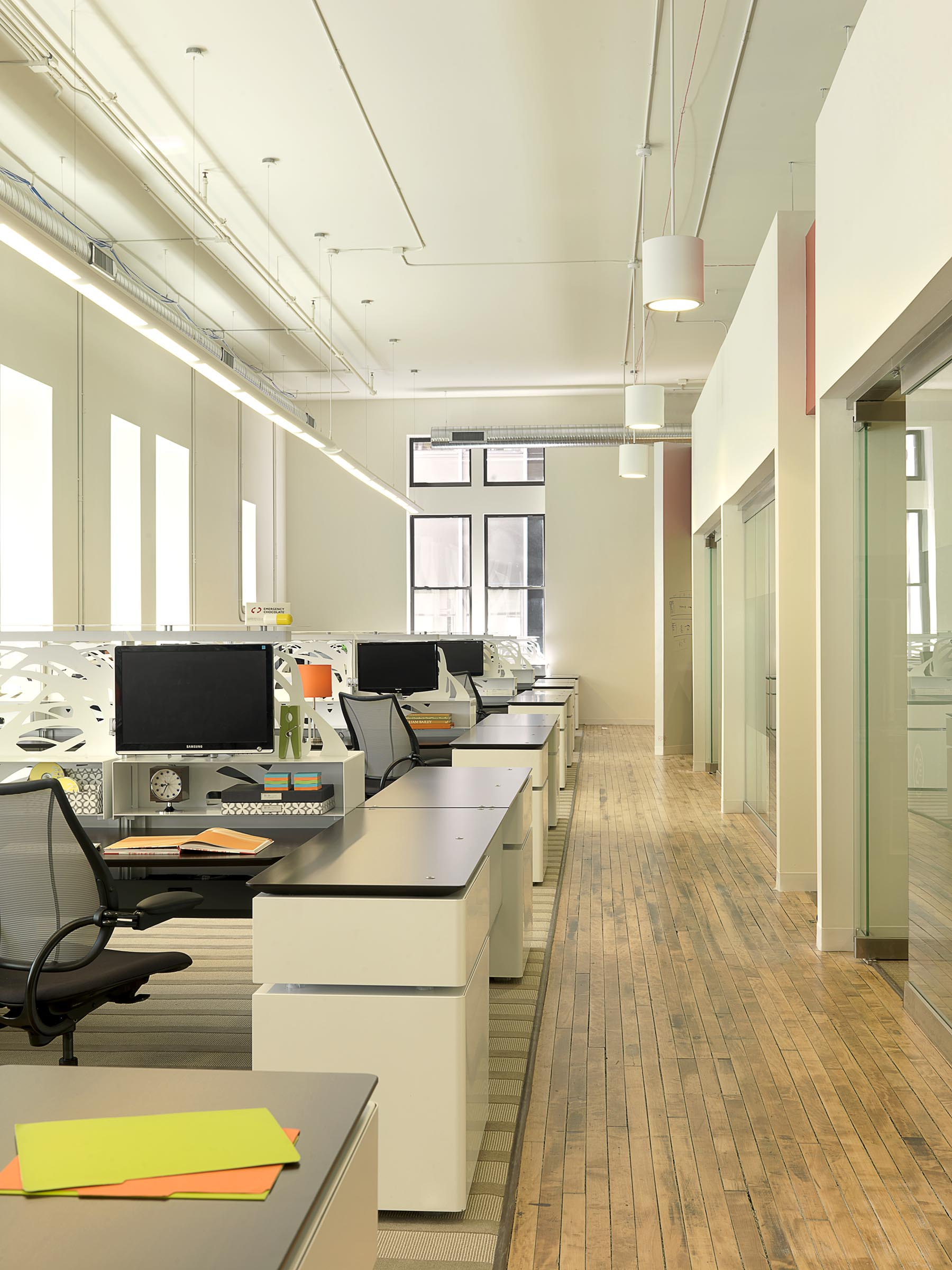 2e Creative workstations.jpg