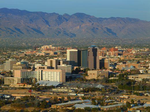 Visit-Tucson.jpg