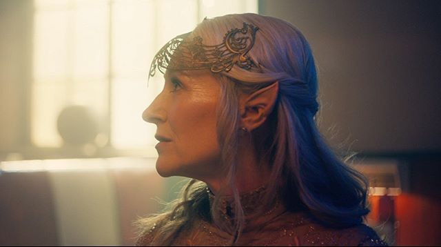 when u call @logordon_ & tell her that ALL the characters have incredible headpieces 👽