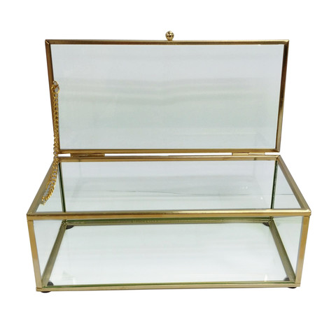 Glass trinket box - gold  Price: $5.00  Qty: 2