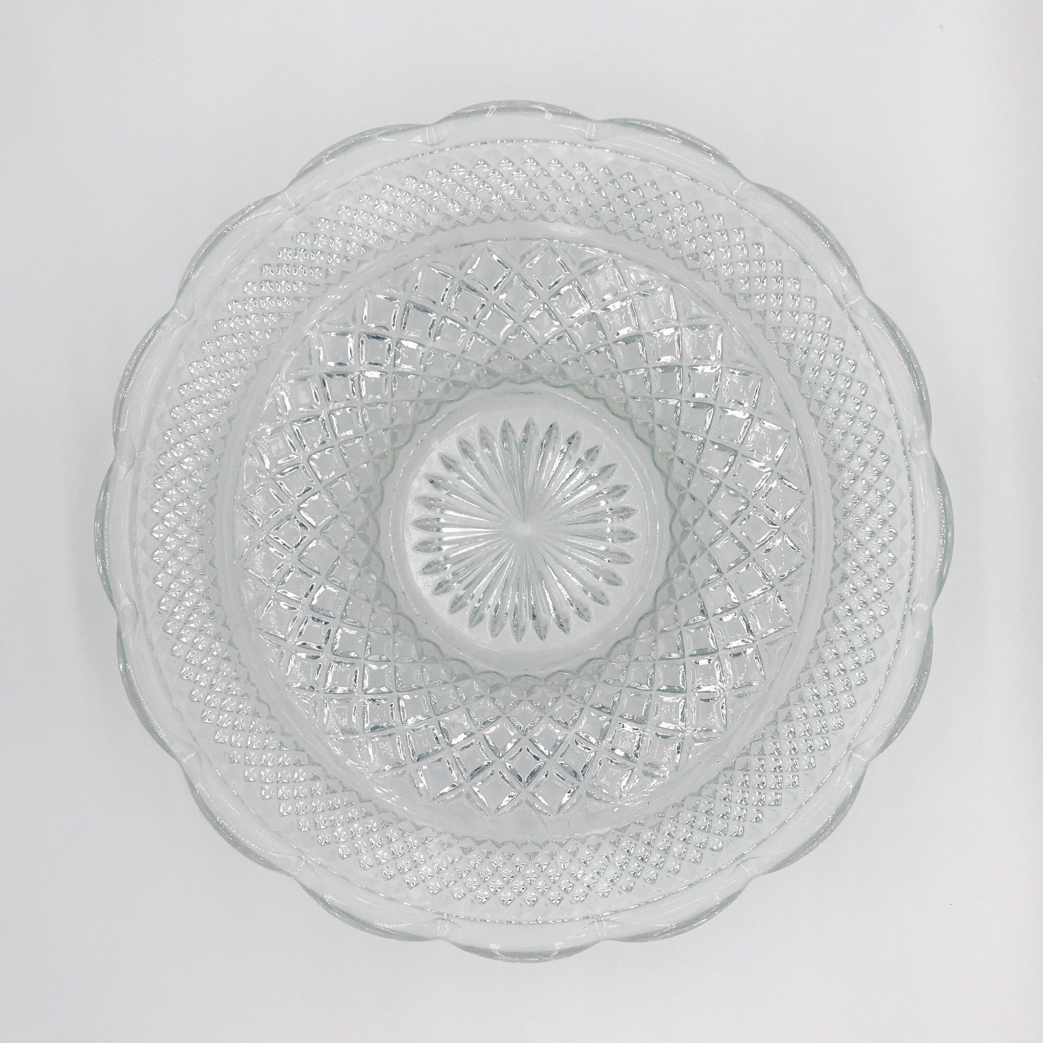 Serving bowl - vintage crystal (large)  Price: $12.00  Qty: 1