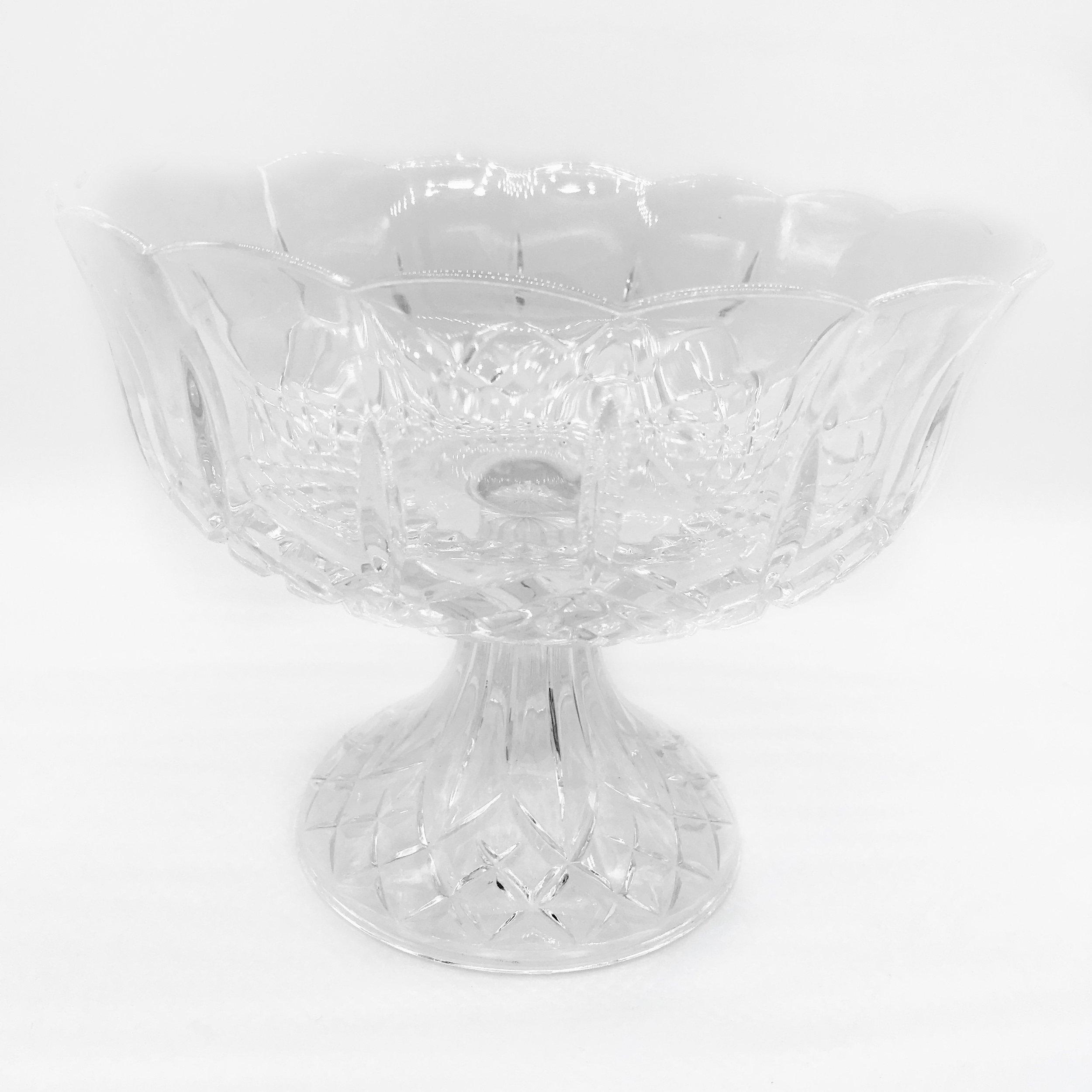 Serving bowl - vintage crystal (medium)  Price: $12.00  Qty: 1