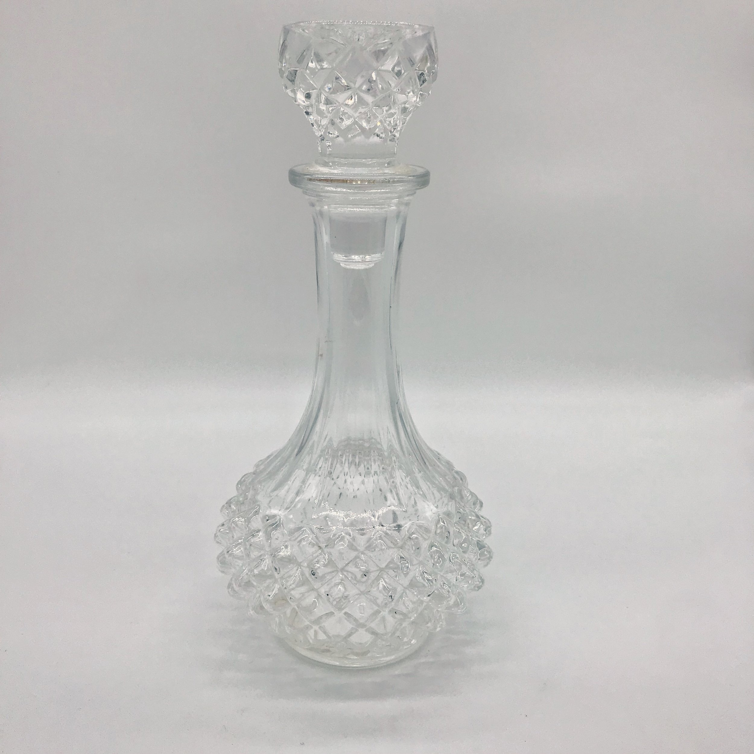 Decanter - vintage crystal round  Price: $10.00  Qty: 1