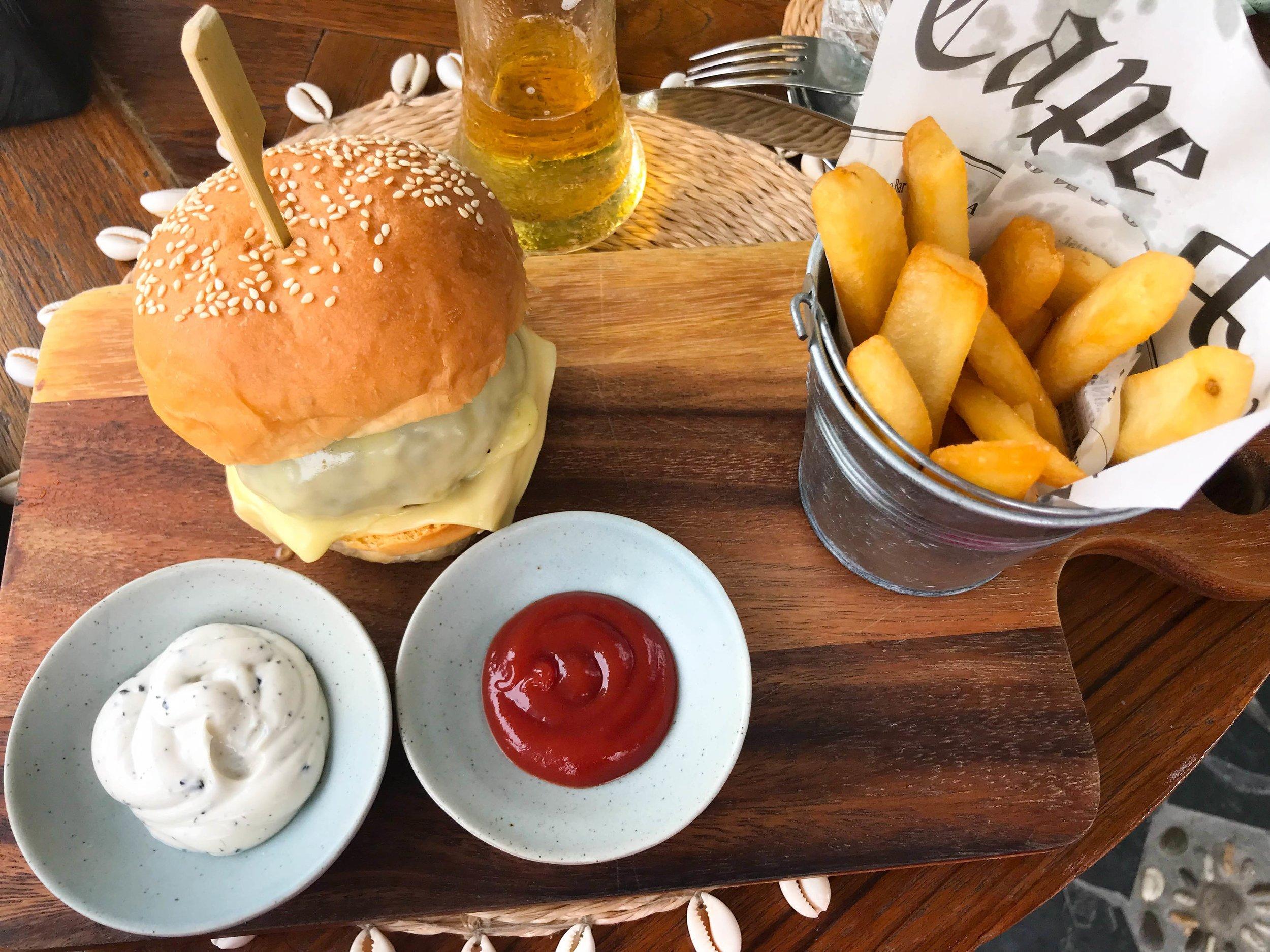 Thailand Cape Kudu Hotel Koh Yao Noi - Best Burger and Fries