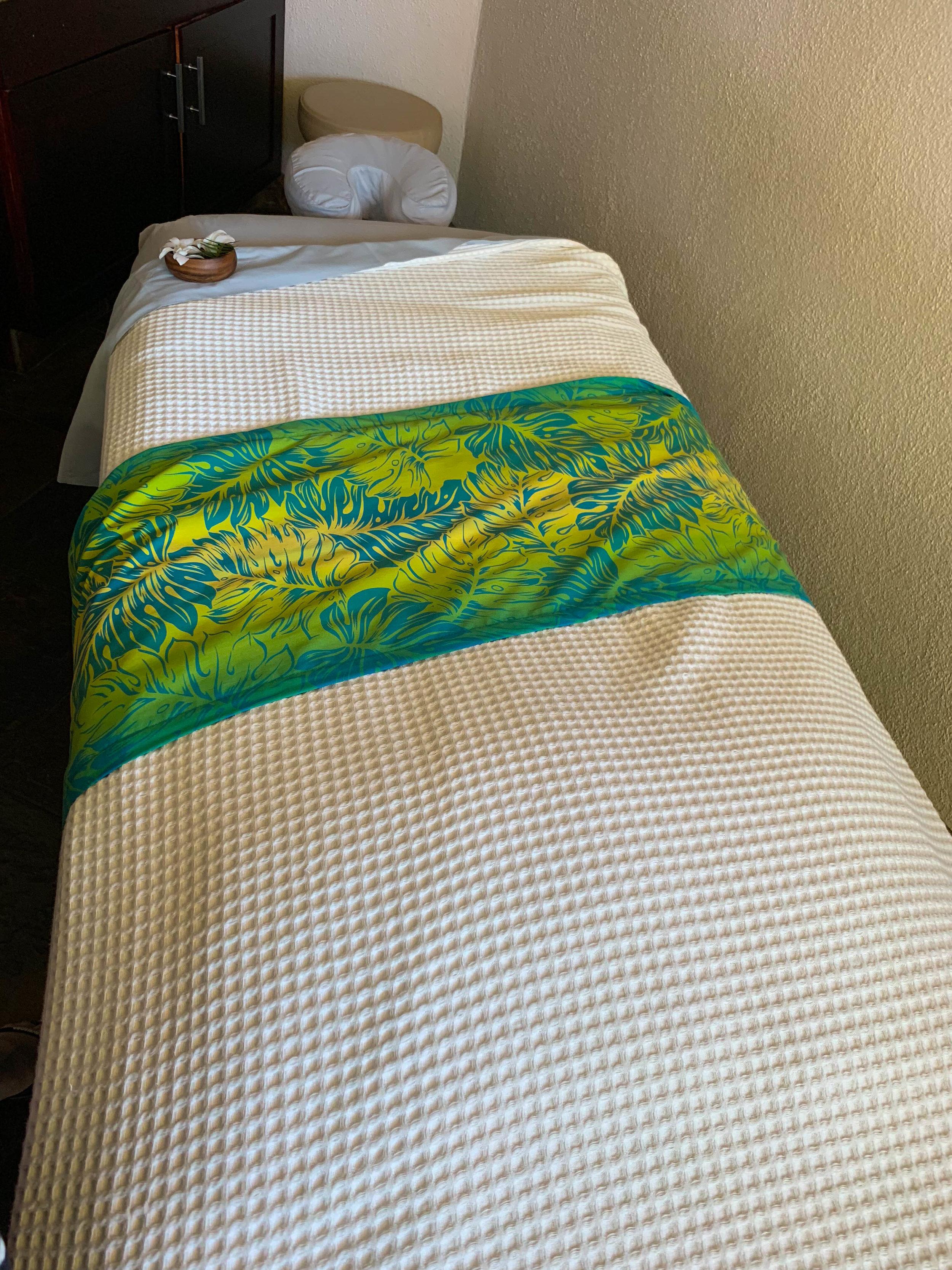 Sheraton Maui - The Spa at Black Rock Massage table