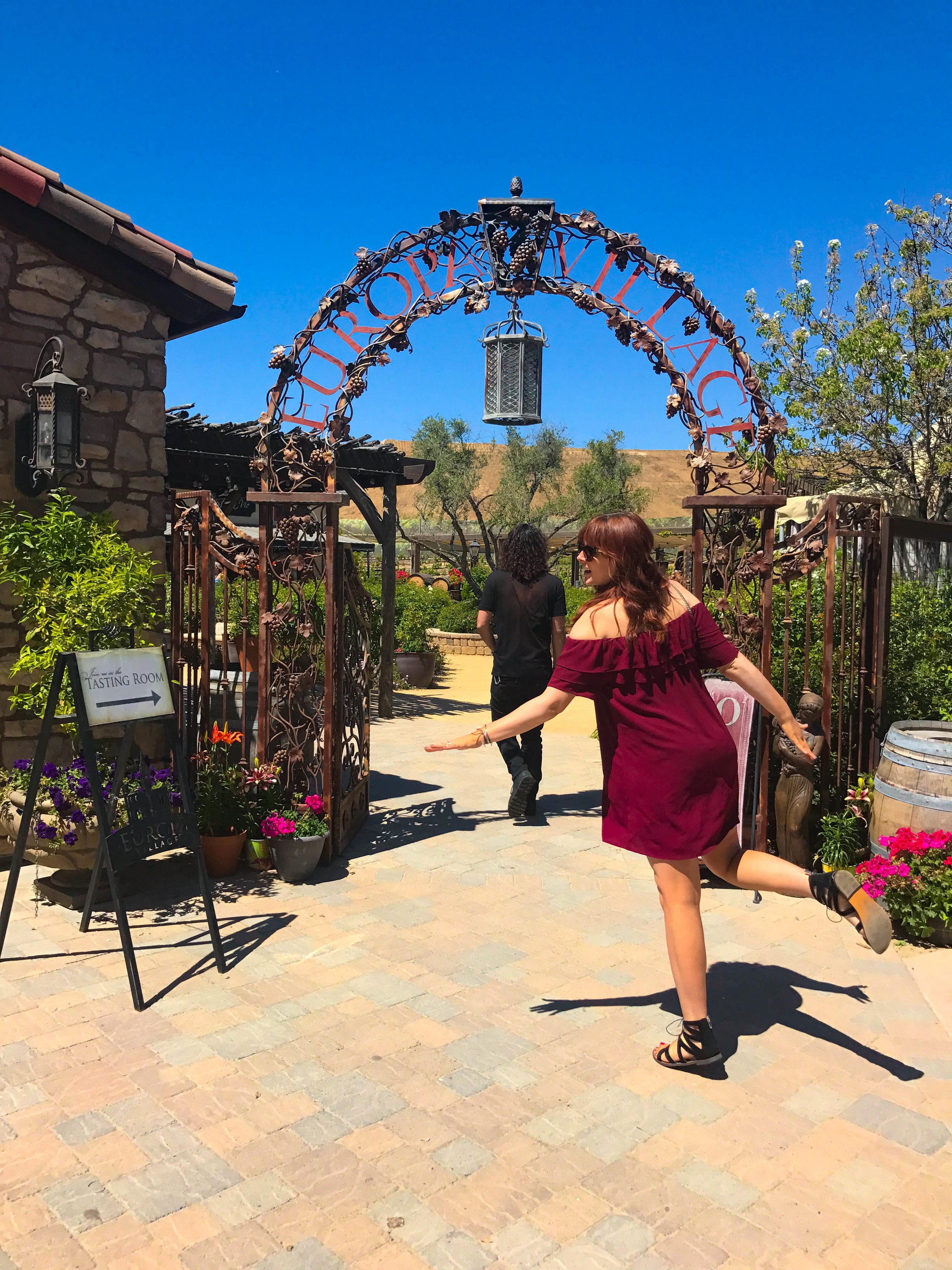 THIS WAY TO EUROPA VILLAGE WINERY!