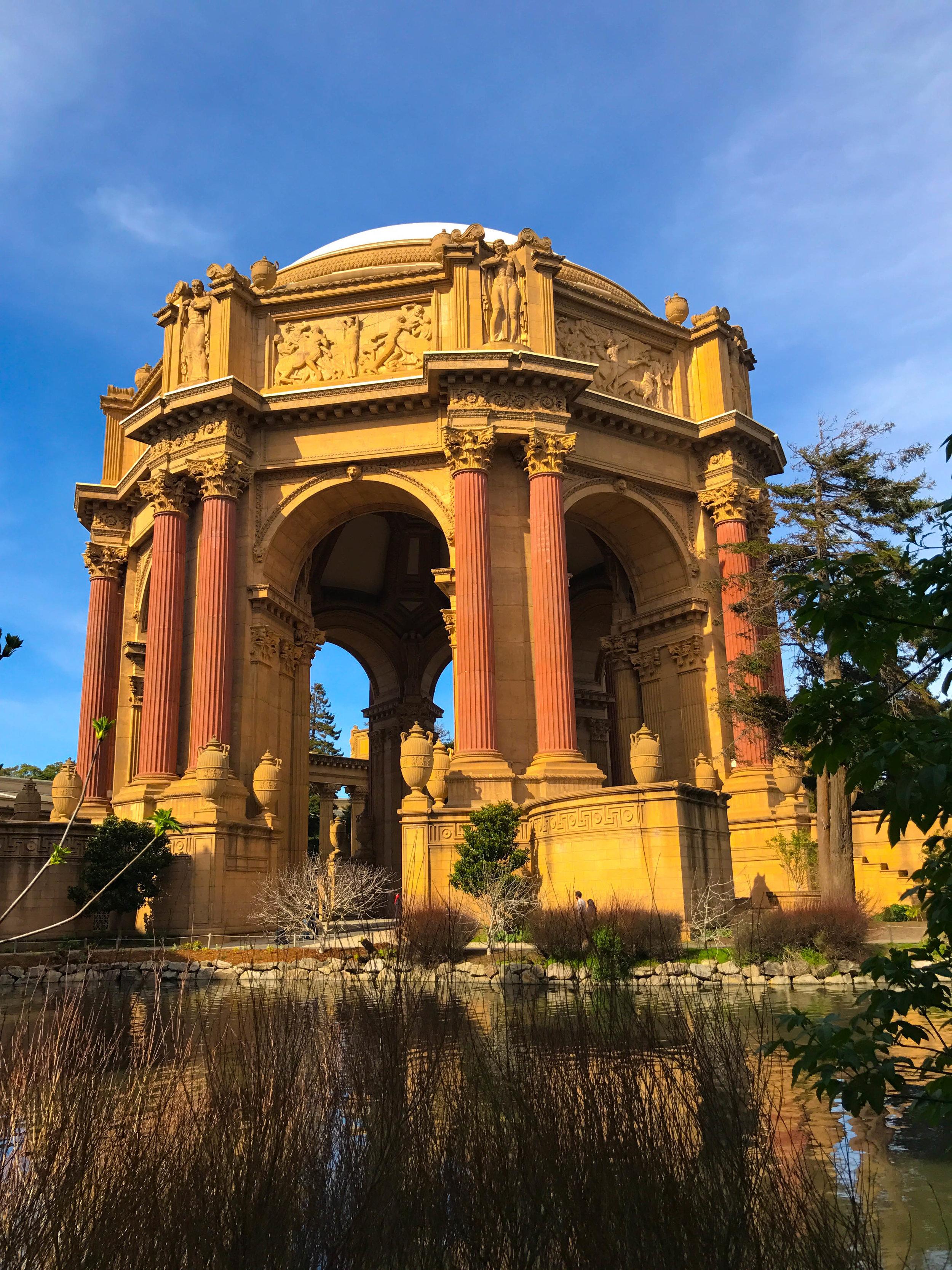 San_Francisco-Palace_of_fine_arts.jpg