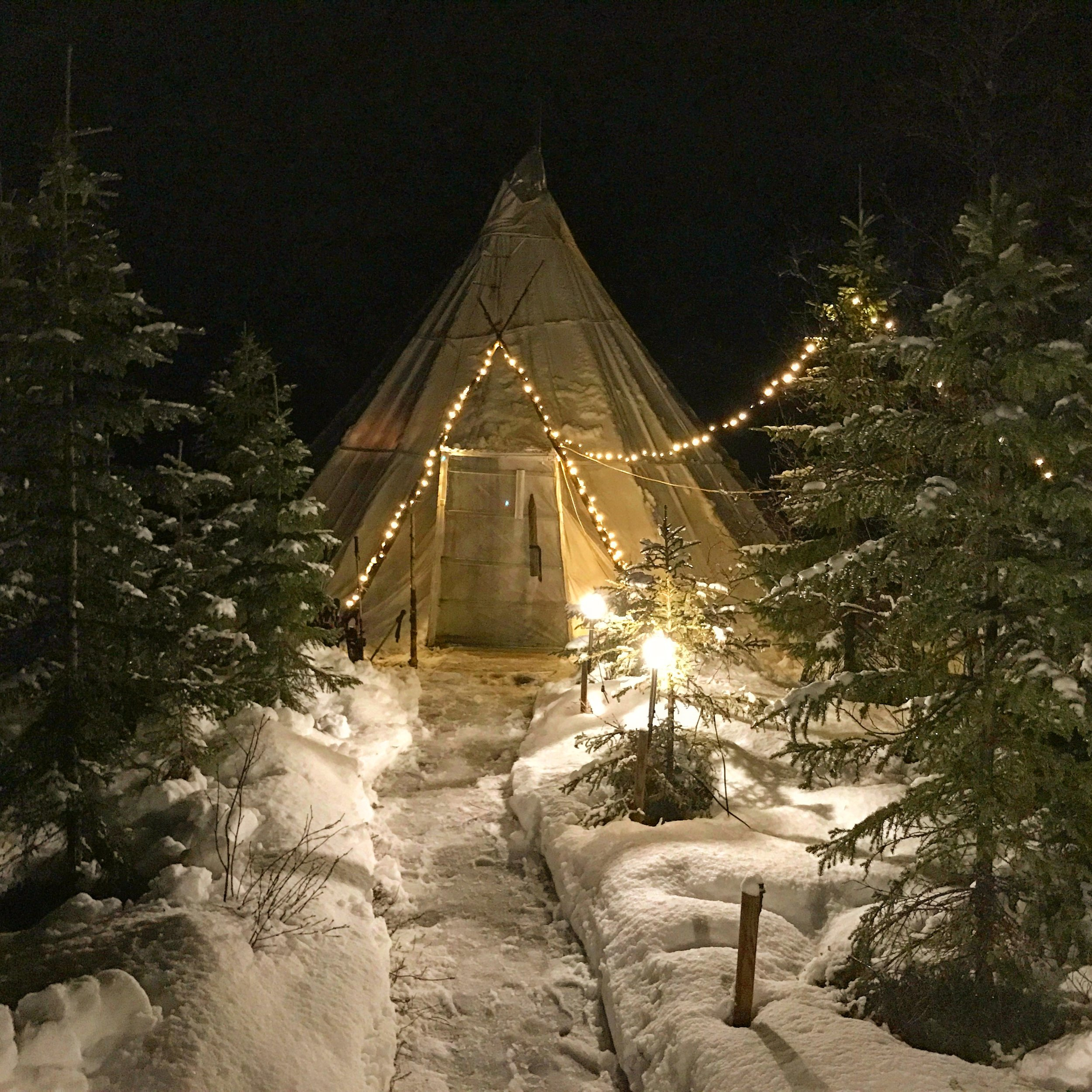 Lavvu Norway teepee snow.jpg