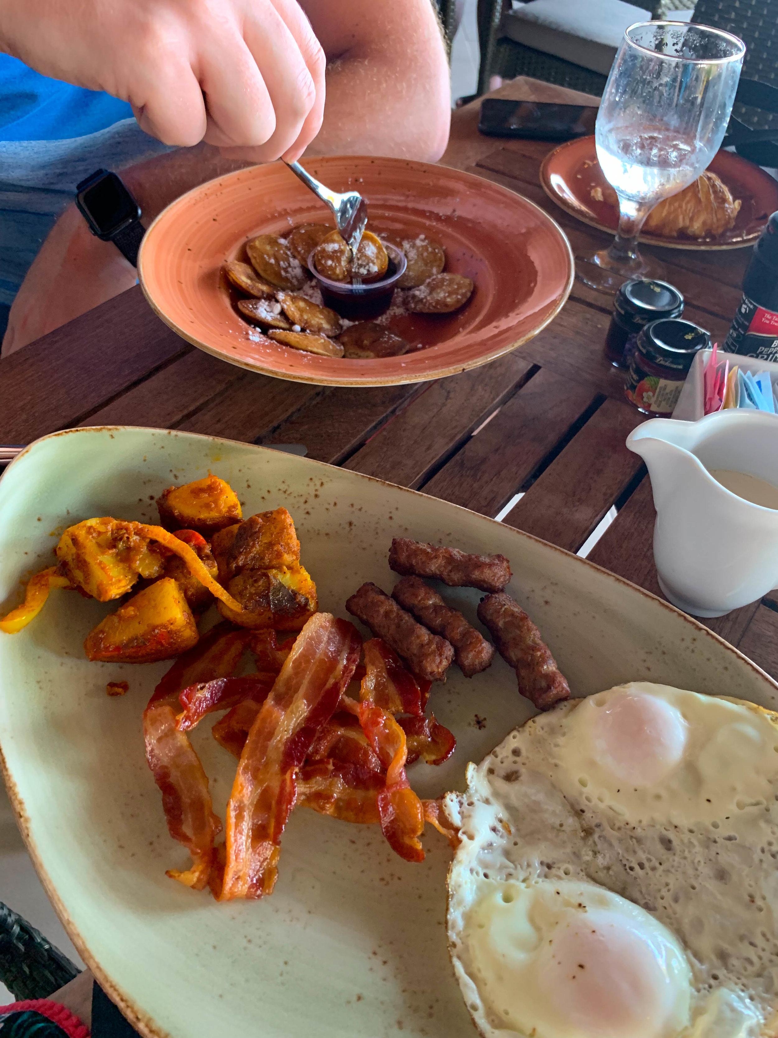 Iguana Beach Renaissance Island Restaurant Fruit and Breakfast