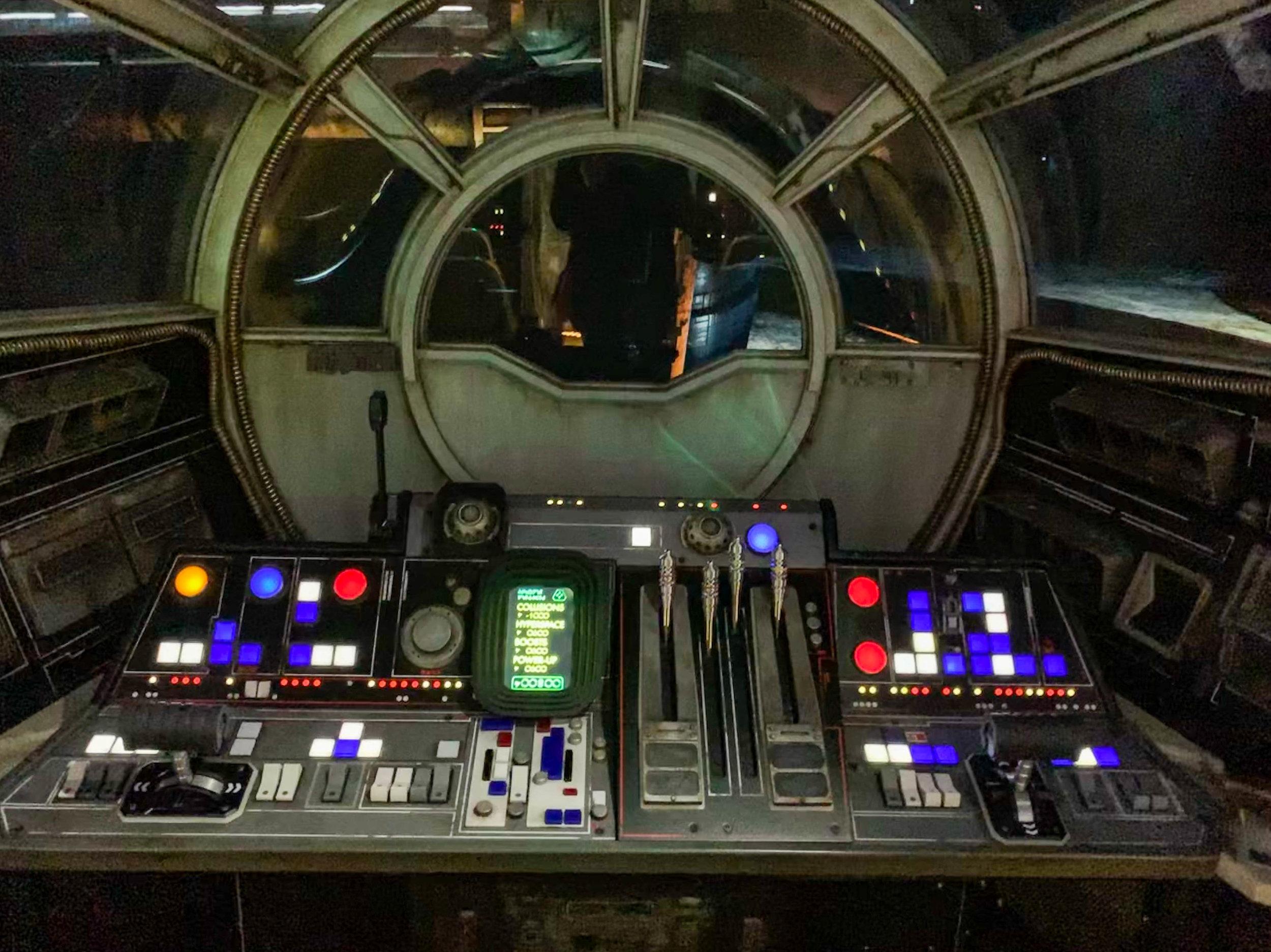 Star Wars Galaxys Edge Millennium Falcon Ride Pilot Seat