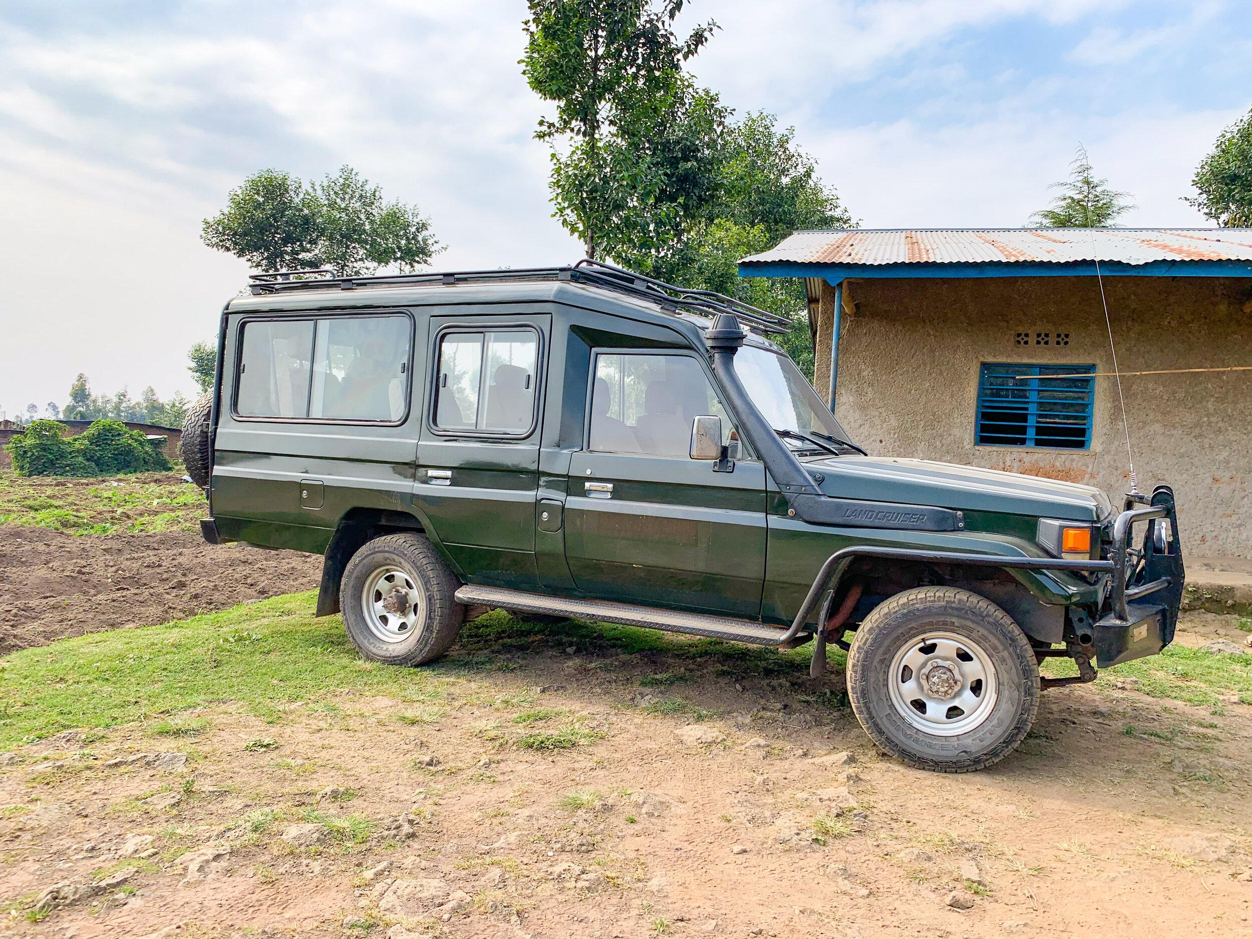 Africa_Rwanda_Gorilla_trek-safari_car.jpg