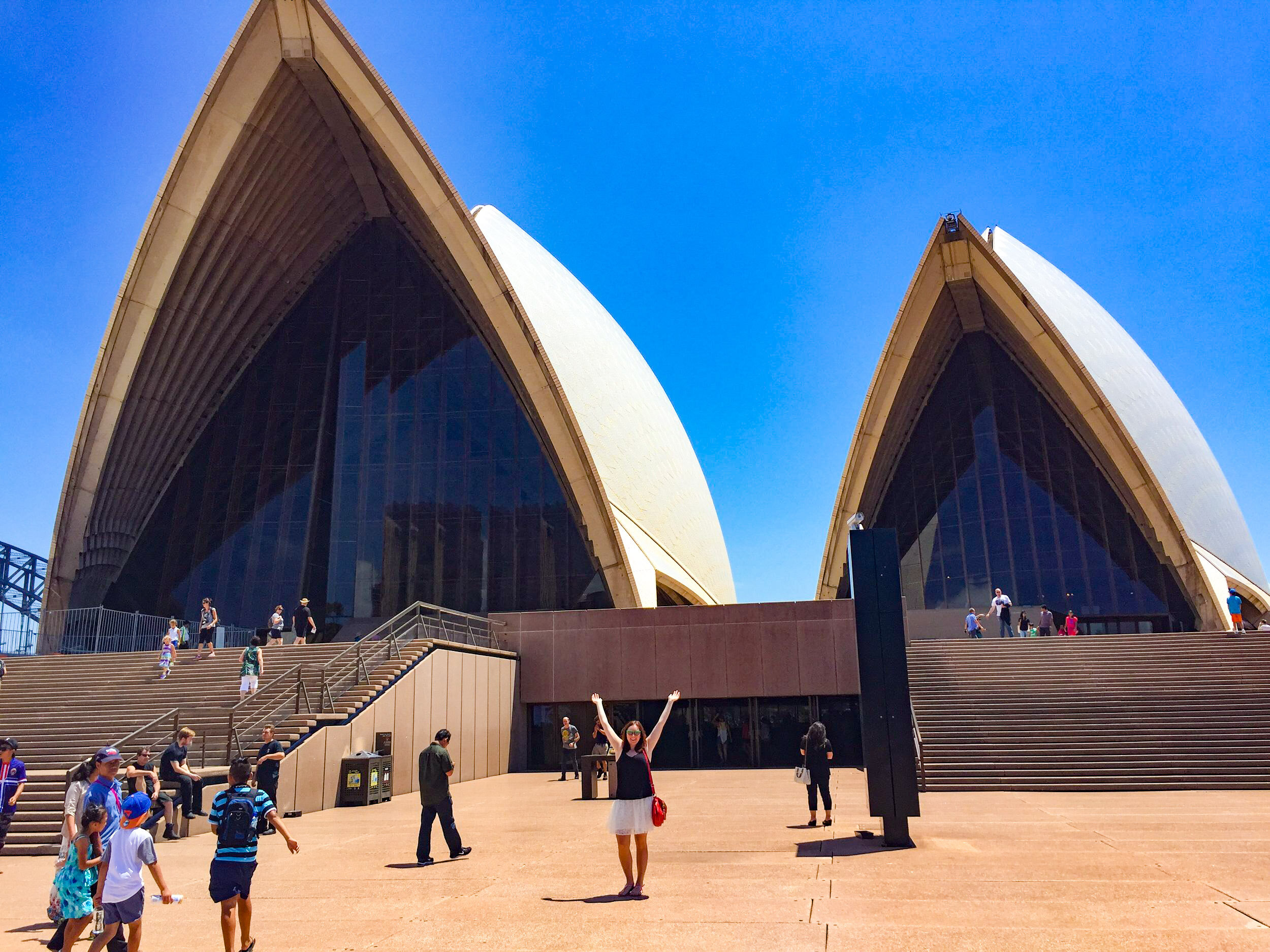 THIS IS KNOWN AS THE OPERA HOUSE CLEAVAGE