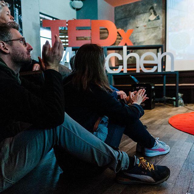 Die Ansprache auf dem Königsplatz hat uns motiviert!  Lasst uns gemeinsam aber auch jeder für sich mit den einzelnen Entscheidungen täglich für unser Klima einstehen. #thereisnoplanetb  Beim TedxSalon organisiert von den @dieziberts haben wir im @Restless spannende Talks gehört und gemeinsam Plakate gebastelt. Vielen Dank an alle Menschen die beim Streik waren und unser persönlicher Dank geht an alle die beim TEDxSalon dabei waren. Ihr seid tolle Menschen und wir sind stolz darauf ein Teil dieser Community zu sein! @recup2go @the.conscious.project @tedxyouth_muenchen @womens.hub @fridaysforfuture @inspiredbybigdreams @stellikatessen @avogoodday und viele viele mehr!  PhotoCredits: @denisestockphotography  #actnow #climatejustice #sharingeconomy #community #globalclimatestrike #fridaysforfuture #sharingiscaring #socialbusiness #entrepreneur #gratitute #respect #mindfulness #crewlove #change #climate #commitment #munich #now #popup #vegan #veganfood #plantbased #zerowaste #noplastic #purpose