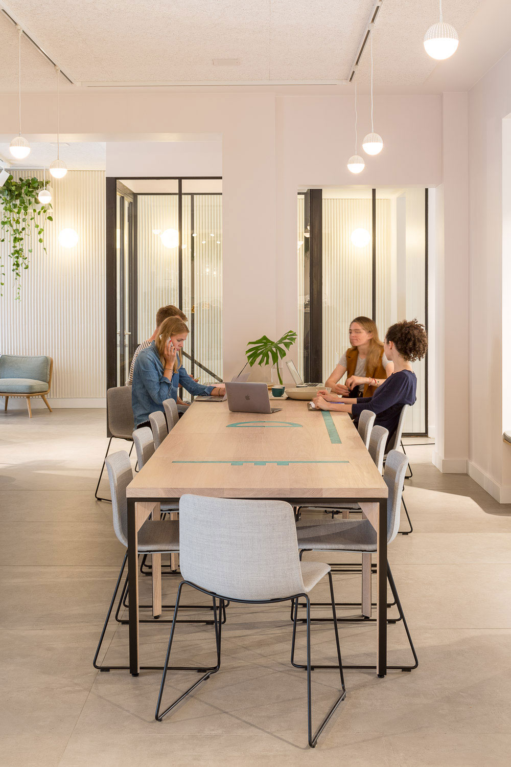 Architecture-London-Design-Freehaus-Hermanns-Berlin-Coworking-Cafe-Communal-Table-1.jpg