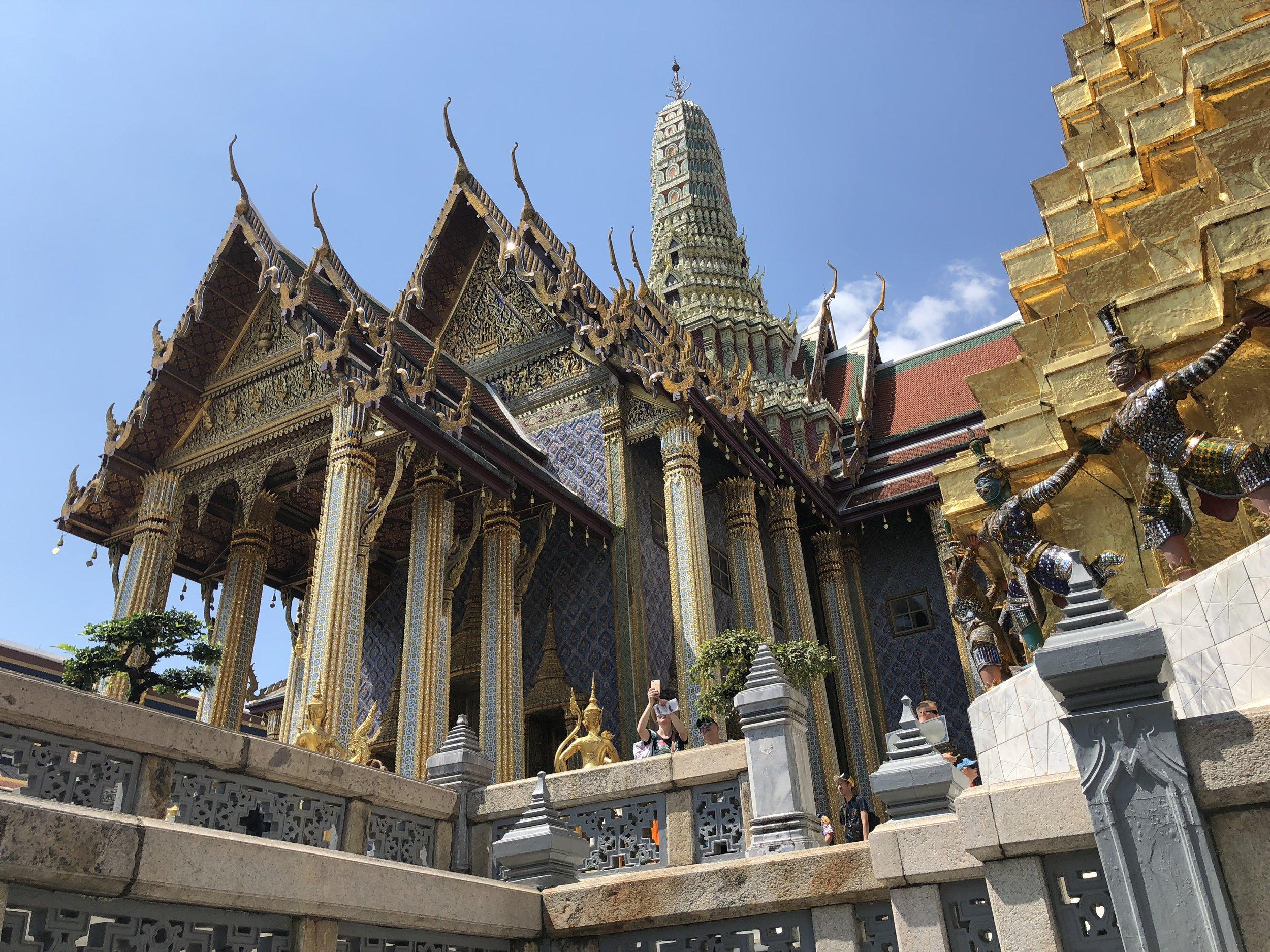 Una estructura hermosa adentro el complejo del Gran Palacio.