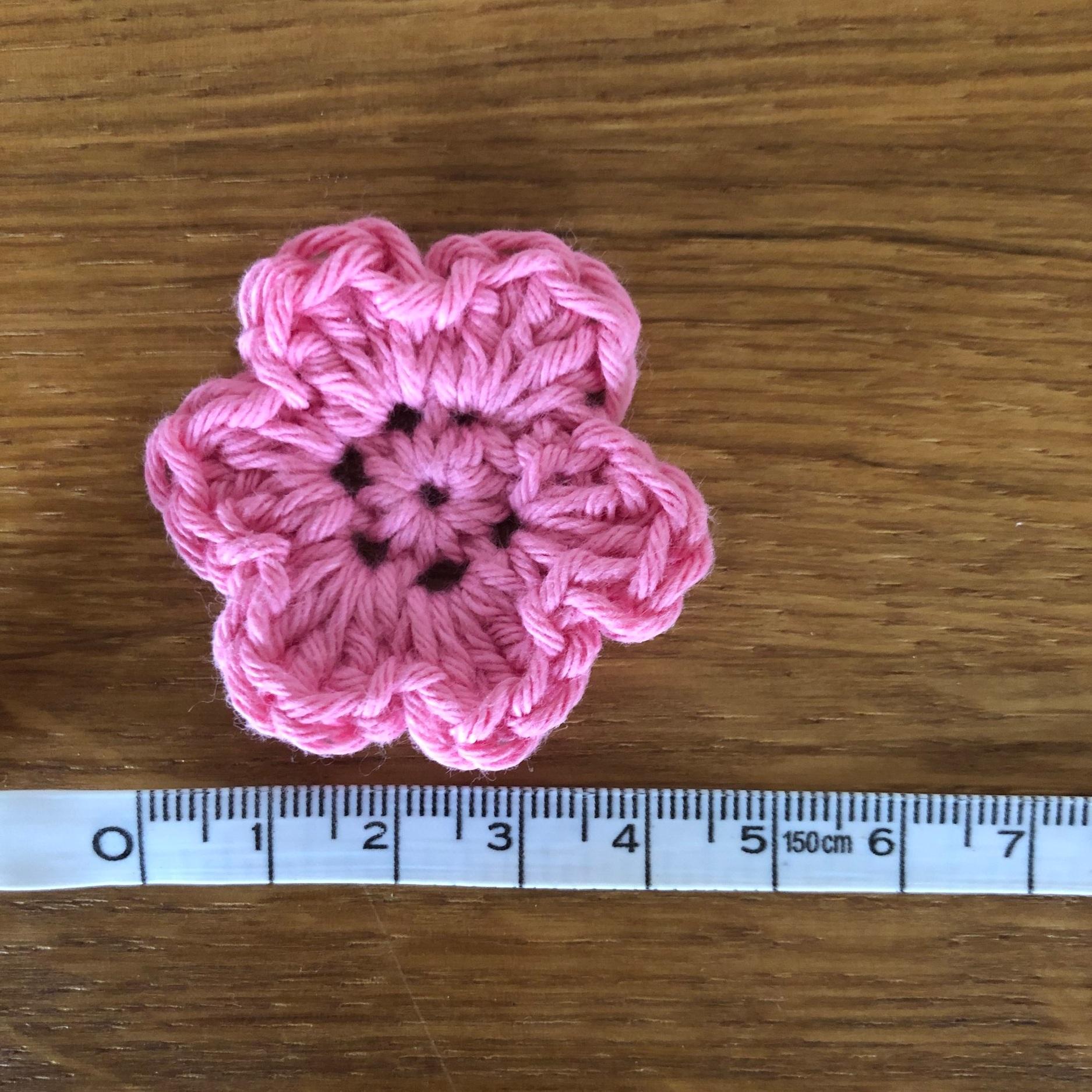 Free flower crochet pattern