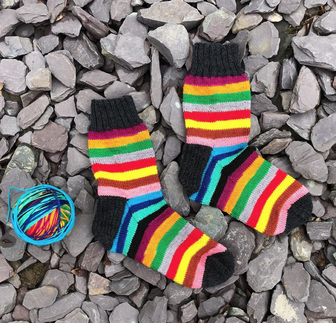 Mind the gap knitted socks