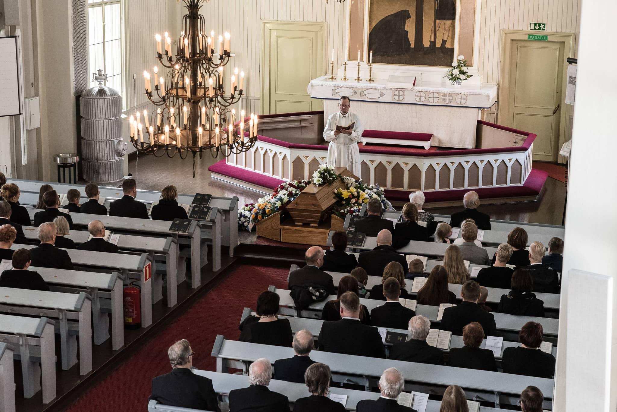 Tapahtumakuvaus - Tarjoan tapahtumakuvausta valmistujaisiin, hautajaisiin kuin kaikkiin muihinkin tapahtumiin. Kysy tarjousta!