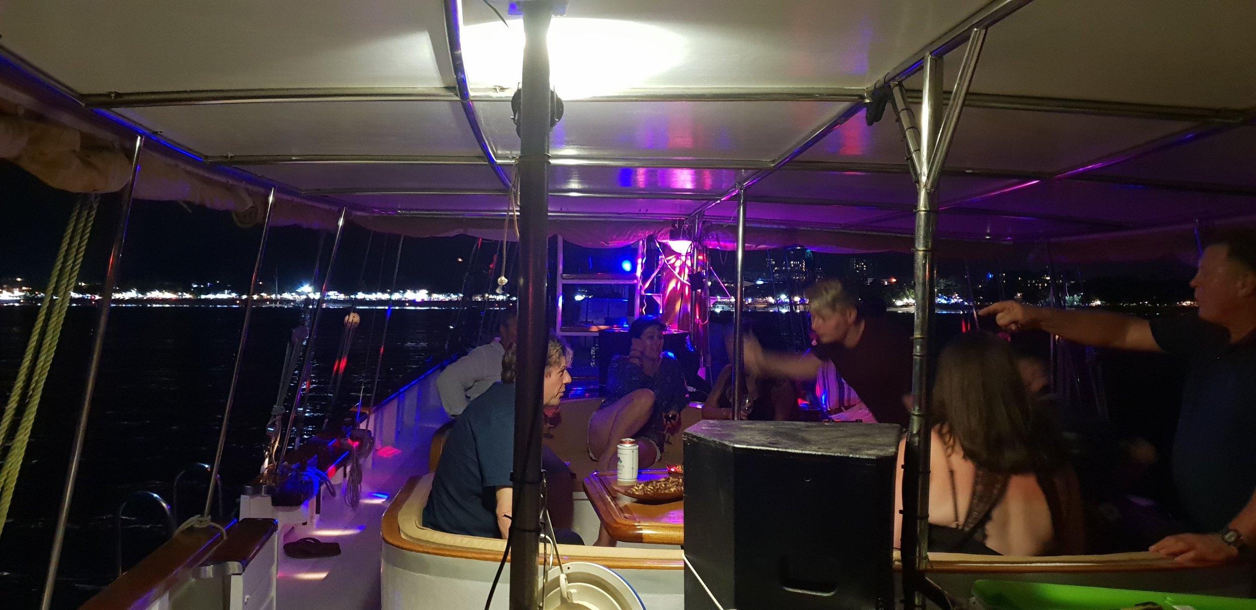 Floating Bar -