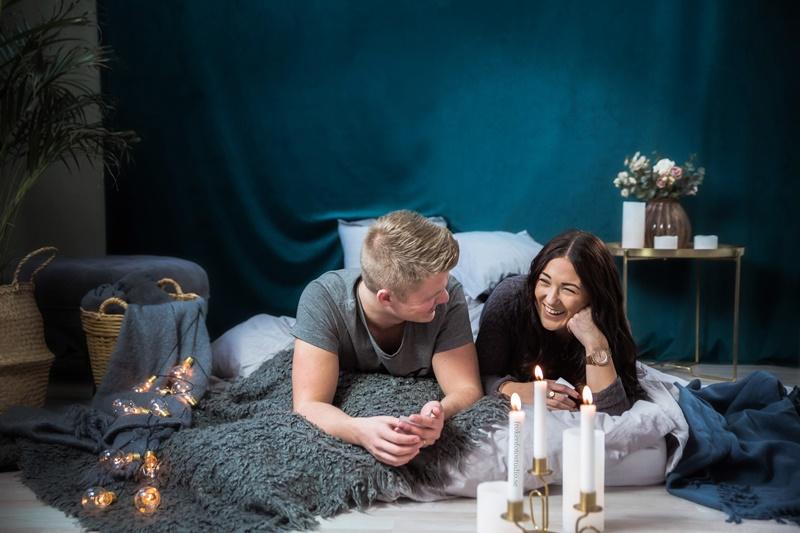 Simone och David hos Fröken Foto Studio i Skene fotograf Malin Richardsson 2019 (48).jpg
