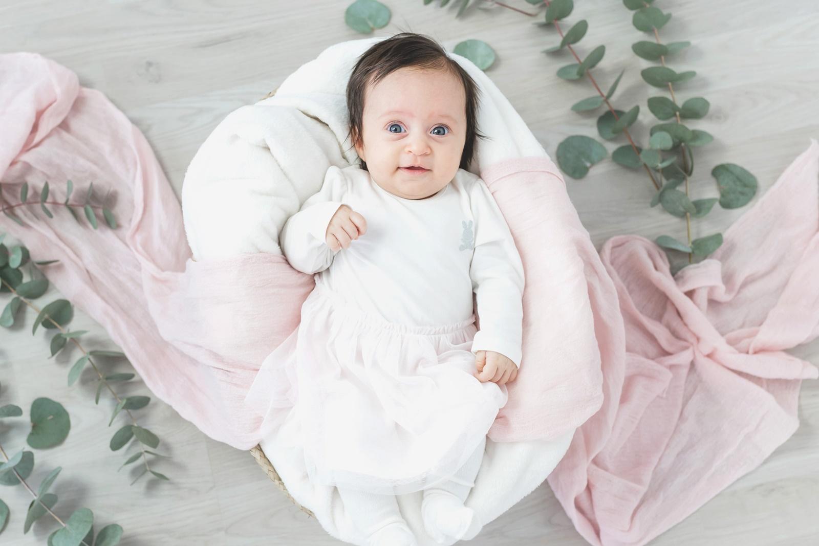 Ellie 2 mån hos Fröken Foto Studio i Skene fotograf Malin Richardsson 2019 Baby Barn Kinna Göteborg Borås varberg Kungsbacka   (9).jpg