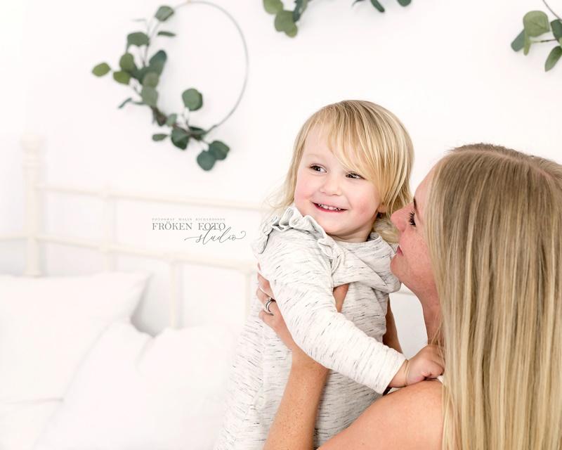 stämplade Mommy & me Inez hos Fröken Foto Malin Richardsson fotograf Skene Kinna 2019 (39).jpg