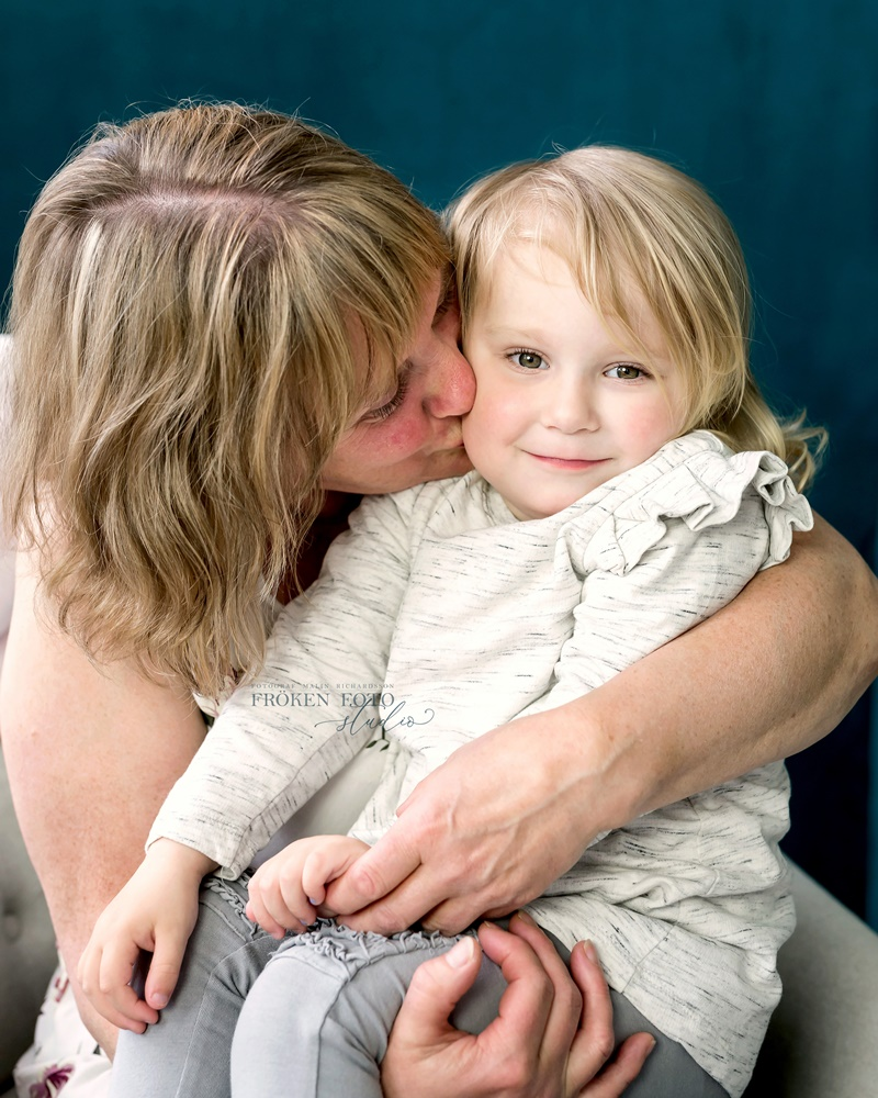 stämplade Mommy & me Inez hos Fröken Foto Malin Richardsson fotograf Skene Kinna 2019 (22).jpg