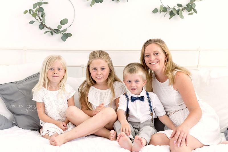 stämplade Sandras mommy and me hos Fröken Foto Malin Richardsson miibellephoto.se fotograf skene kinna (1).jpg