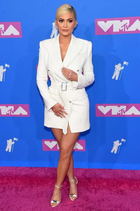 kylie-jenner-dress-mtv-vmas-2018.jpg
