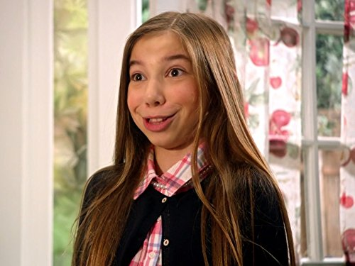 Lambros as Ellie on Stuck in the Middle