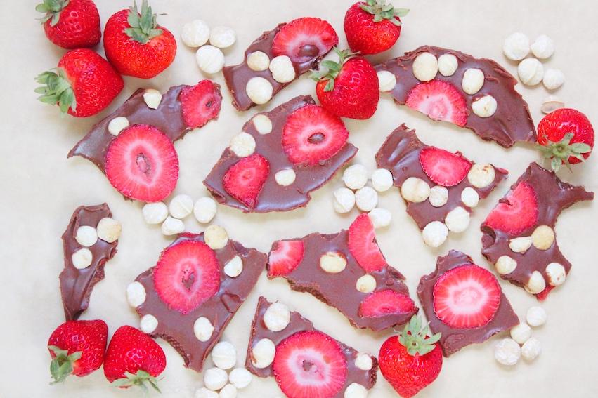 Hazelnut butter strawberry bark.jpg