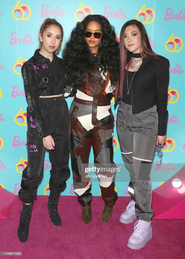 With Singers H.E.R. and Taylor Felt