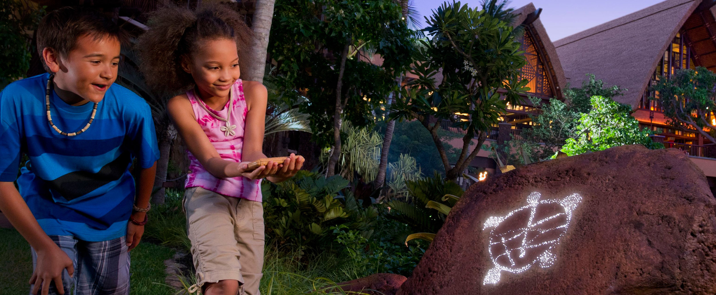 aulani-menehune-adventure-trail-kids-discover-turtle-hero-g.jpg