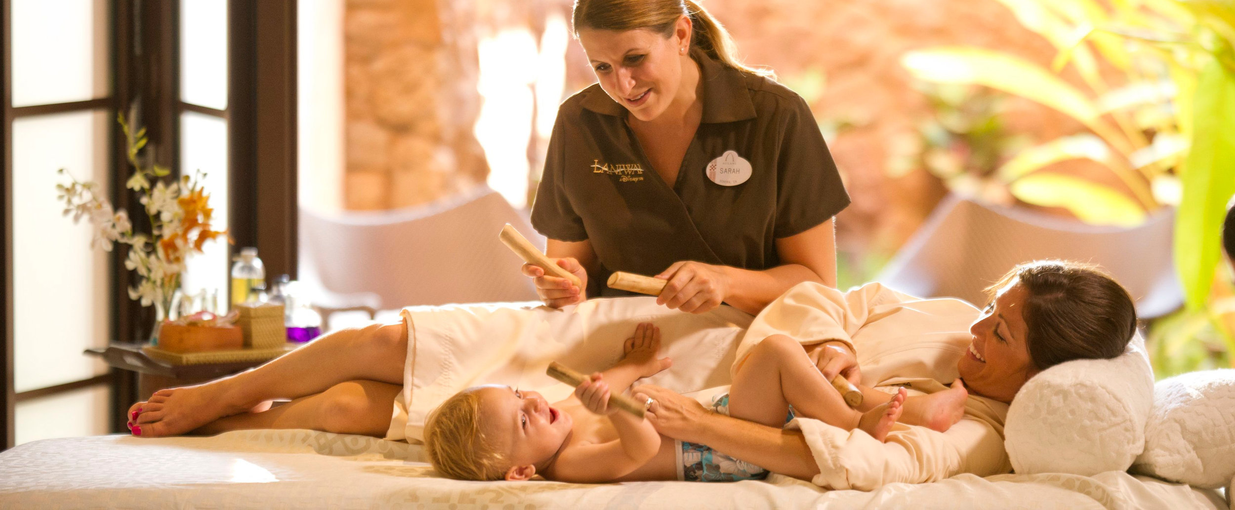aulani-family-therapies-mother-and-child-massage-hero-g.jpg