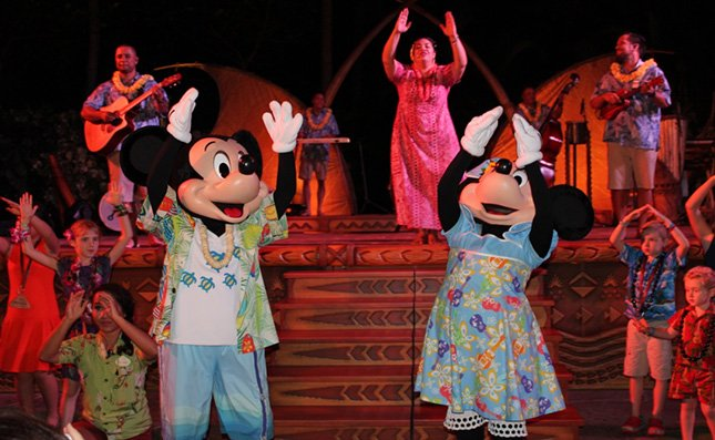 Aulani_luau_review_MIckey_16.jpg.jpe.jpeg