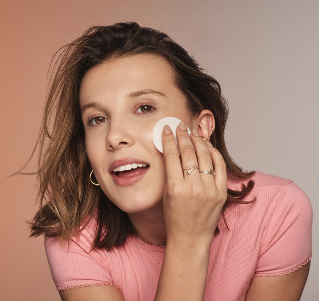 Millie Bobby Brown Florence By Mills Skin care pads.png.jpeg