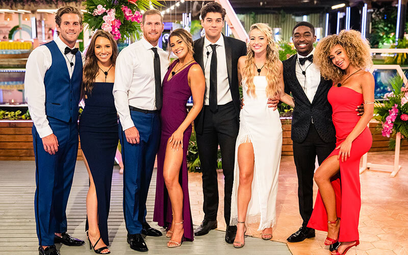 Curry and Stewart (far left) with fellow Love Island finalists
